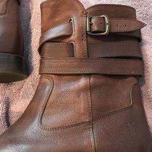 Frye Shoes - Authentic women's Frye Boots Sz 6 1/2